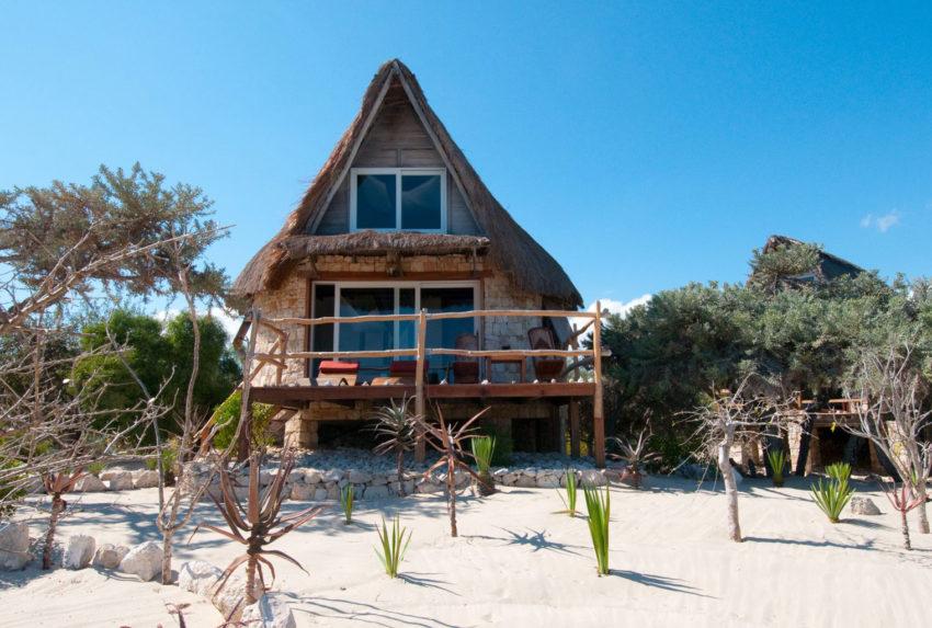 Anakao-Beach-Lodge-South-Madagascar-Bungalow