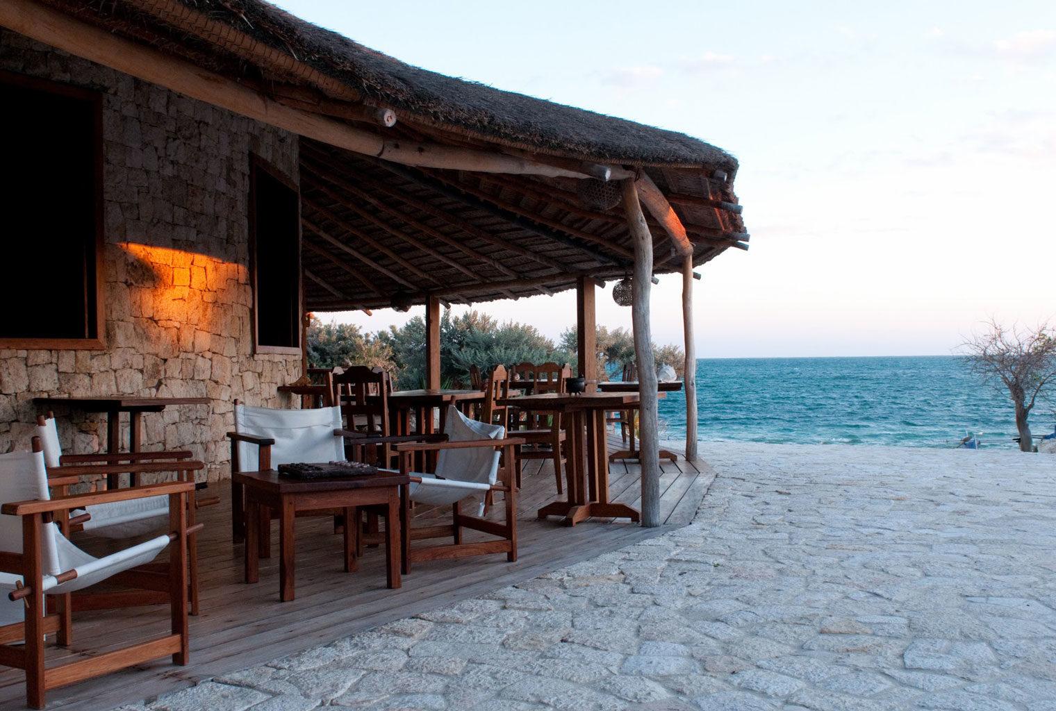 Anakao-Beach-Lodge-South-Madagascar-Restaurant