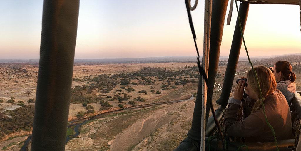 Hot-air-balloon-flight-over-Ruaha-National-Park