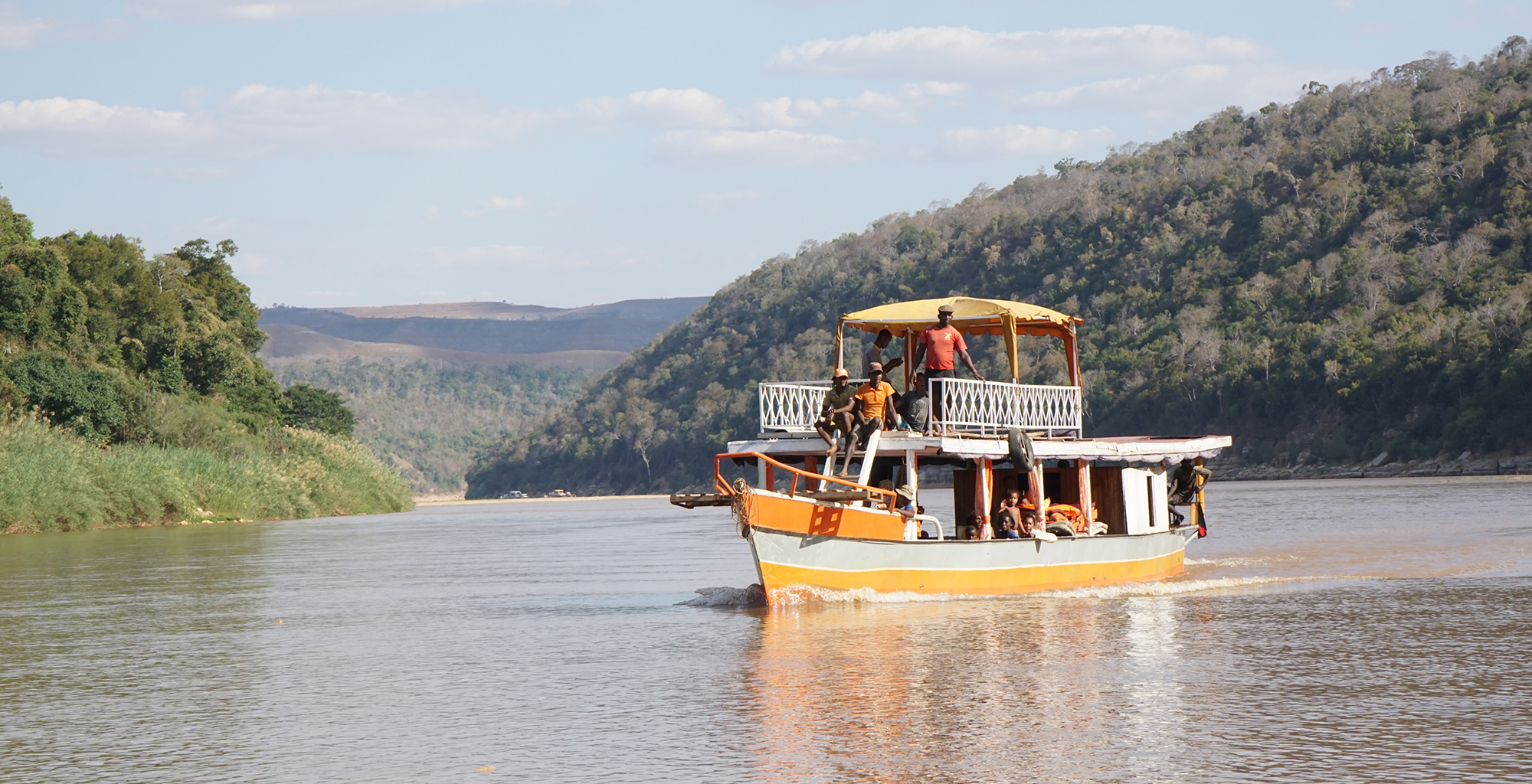 Madagascar-Tsirbihina-River-Journeys-Boat-in-River