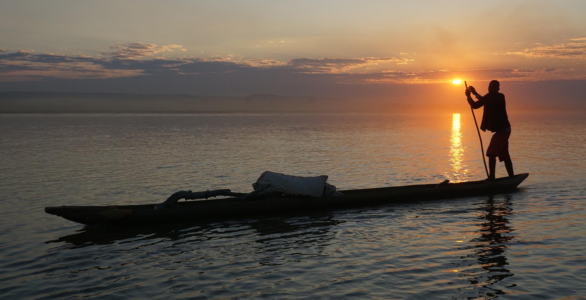 Madagascar-Tsirbihina-River-Journeys-Rowing