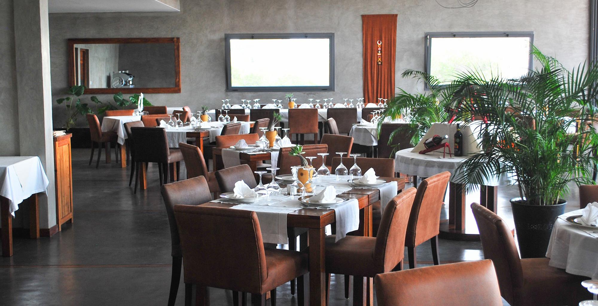Madagascar-Isalo-Rock-Lodge-Restaurant
