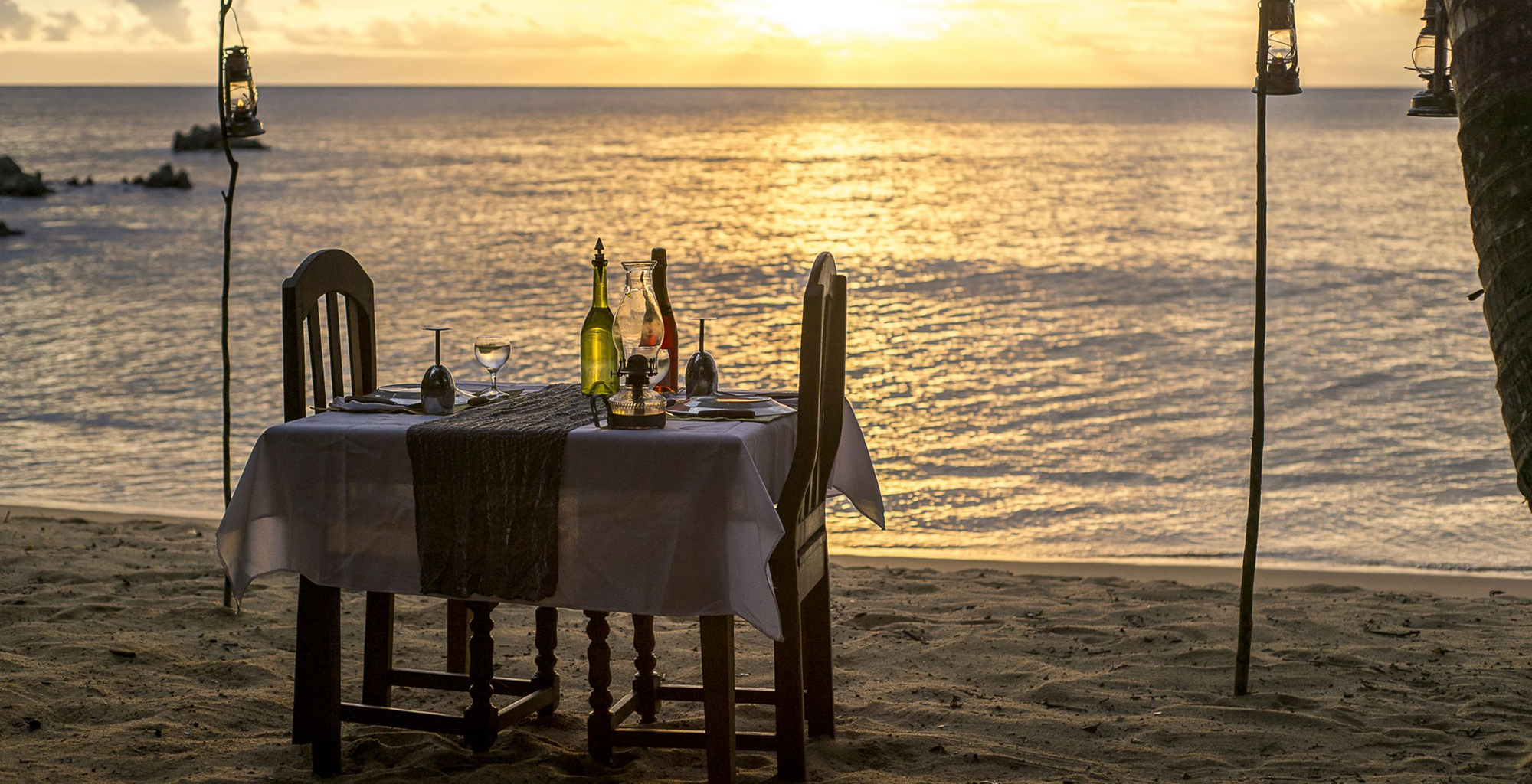 Madagascar-Masoala-Forest-Lodge-Beach-Dining