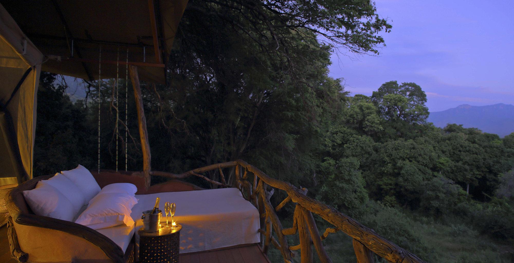 Kenya-Sarara-Treehouses-Star-Bed